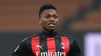 Milan, retroscena di mercato su Leao: pronti 30 milioni dalla Premier, secco il no dei rossoneri