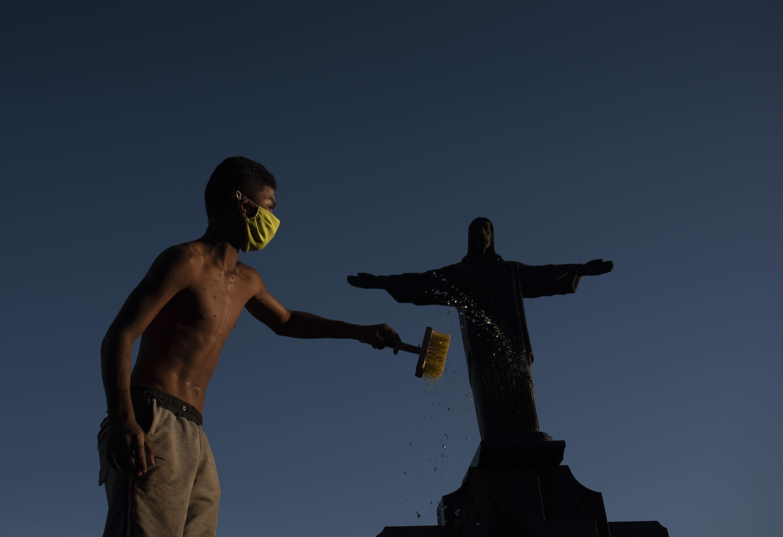 Covid-19: Brasil tem 136.532 mortes e 4.528.240 casos confirmados, dizem secretarias de Saúde
