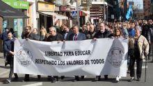 """Medio millar de personas piden en Logroño """"respeto"""" al control parental"""