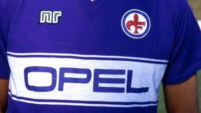 La maglia 2021/22 della Fiorentina si fa attendere: l'idea vintage, l'hype e il caso del video