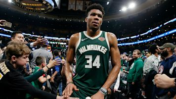 MVP chants welcome Giannis back to Milwaukee