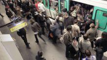 """""""Balance ton métro"""": les femmes racontent leur agressions sexuelles dans les transports parisiens"""