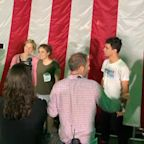 Sen. Elizabeth Warren takes selfies for 4 hours with supporters in New York City