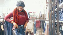 Passform von Jeans ohne Anprobieren ermitteln? Laut dieser Shopperin geht das