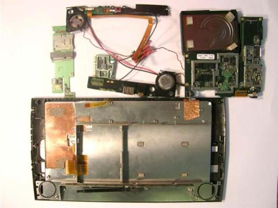 Archos 9 PMP sneaks into the FCC, gets dissected when caught