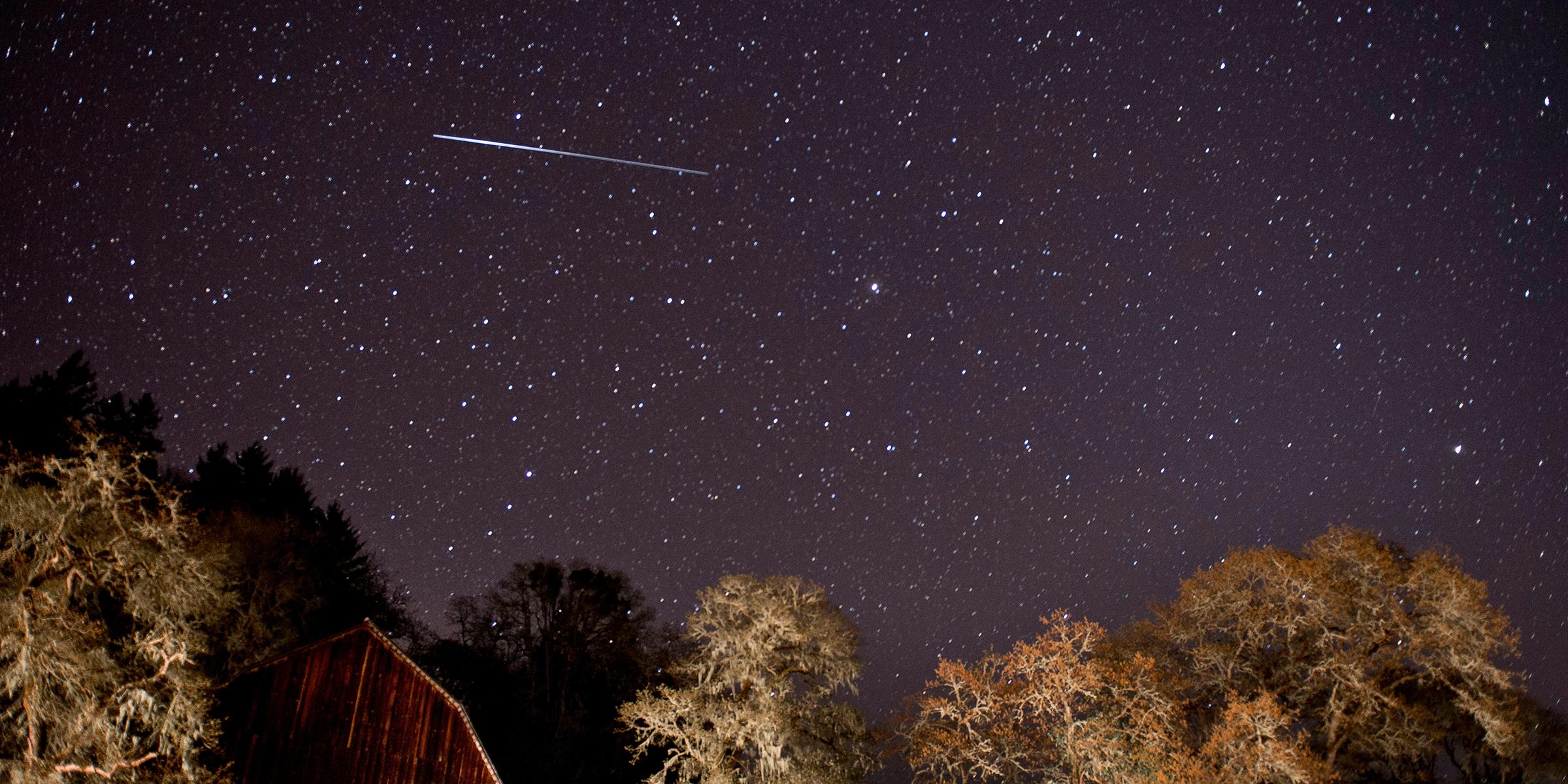 Here's how to watch tonight's Lyrid meteor shower