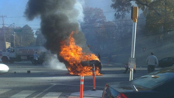 Police: 2 dead in fiery accident, one car crashes again