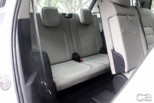 第三排座椅同採真皮材質,乘座空間遠比想像中出色,在同級距產品中屬佼佼者。