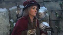 'SNL': Kristen Wiig murders as 'Home Alone 2' Pigeon Lady; Colin Jost makes Scarlett Johansson joke