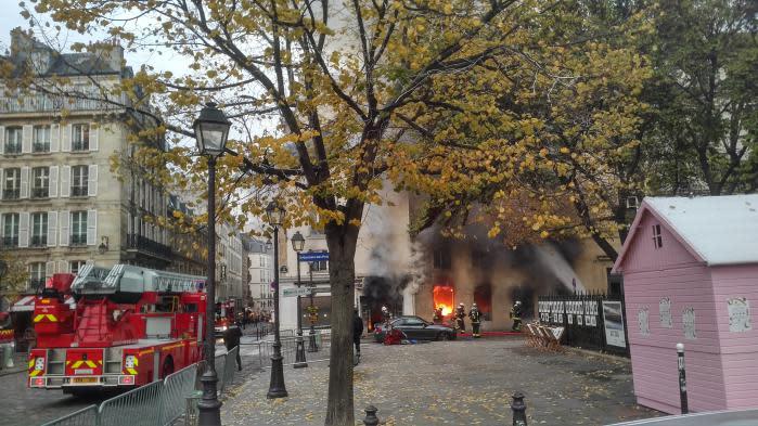 Paris important incendie la librairie la hune dans le for La quincaillerie saint germain