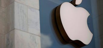 Apple's global security chief charged with bribery in Caliornia