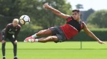 Arsenal taking financial risk by keeping Alexis Sánchez, admits Arsene Wenger