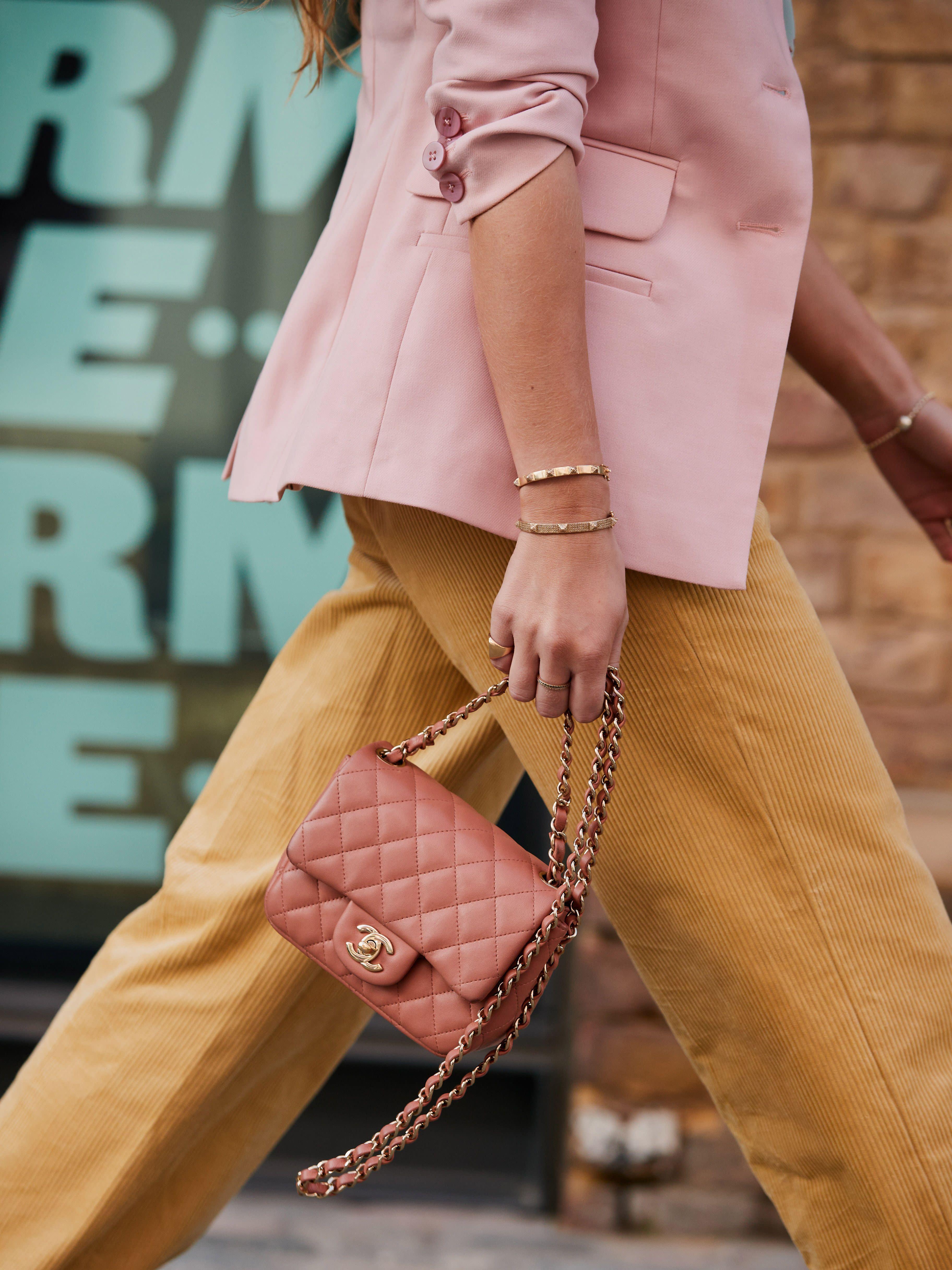 151ed4d85d The Handbag Trend That Always Looks So Expensive
