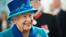 How the Queen uses her bag to send secret signals to her staff