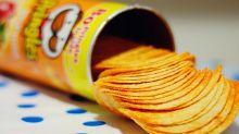 Cómo sacar fácil y rápido todas las patatas de un envase de Pringles