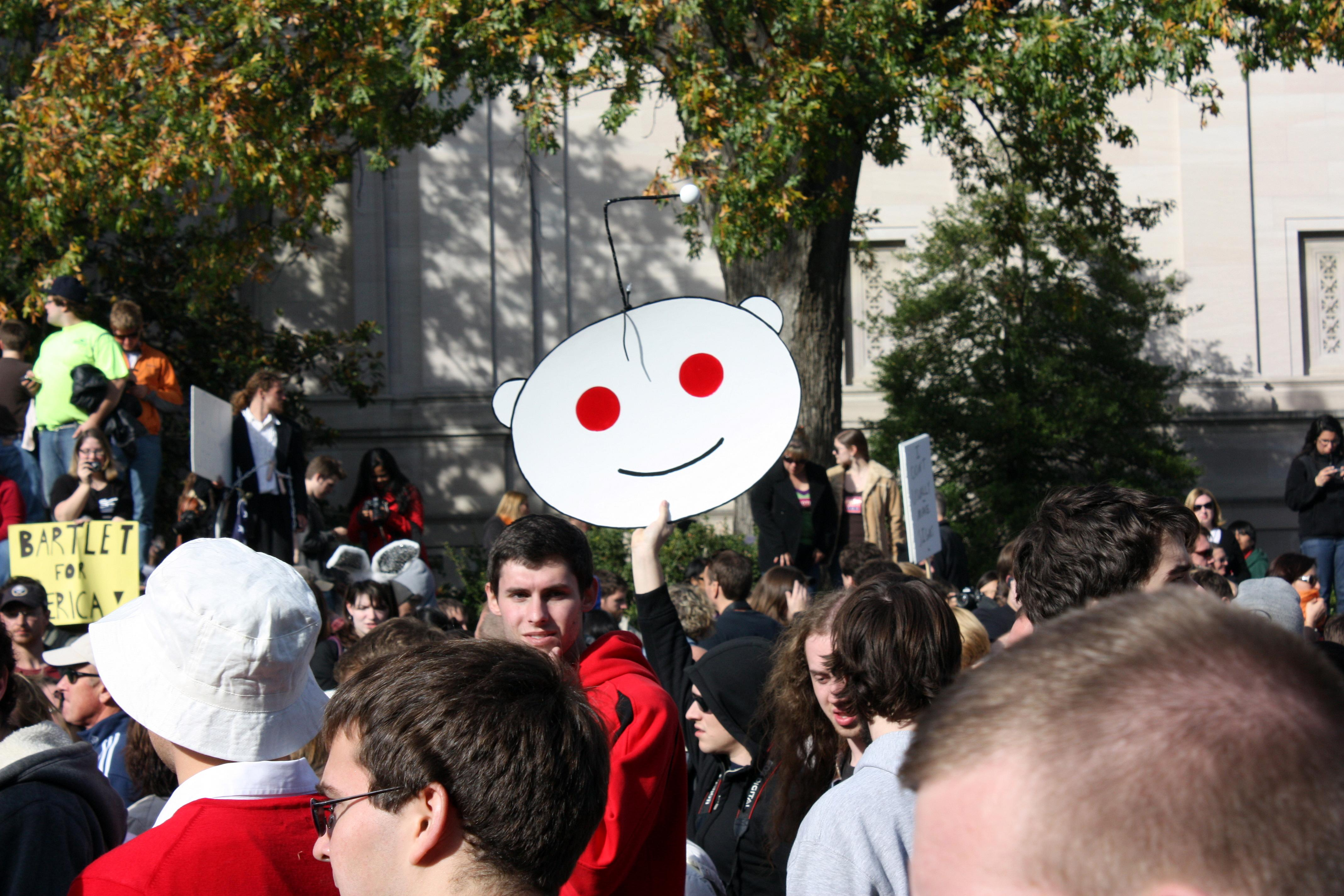 Reddit CEO Apologizes For Trolling While Cracking Down On Trolls