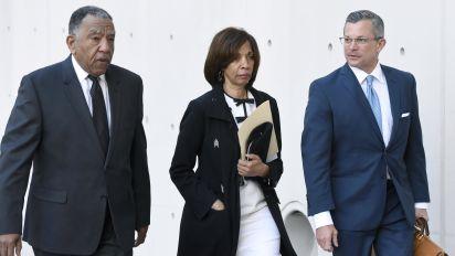 Ex-Baltimore mayor gets 3 years for book scheme
