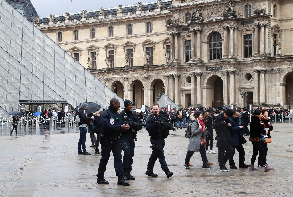 The attack at the Louvre museum has thrust the issue of security back into the headlines (AFP Photo/JACQUES DEMARTHON)