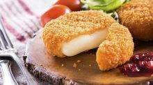 Cyril Lignac dévoile sa recette du camembert pané croque-monsieur, un plat hautement gourmand