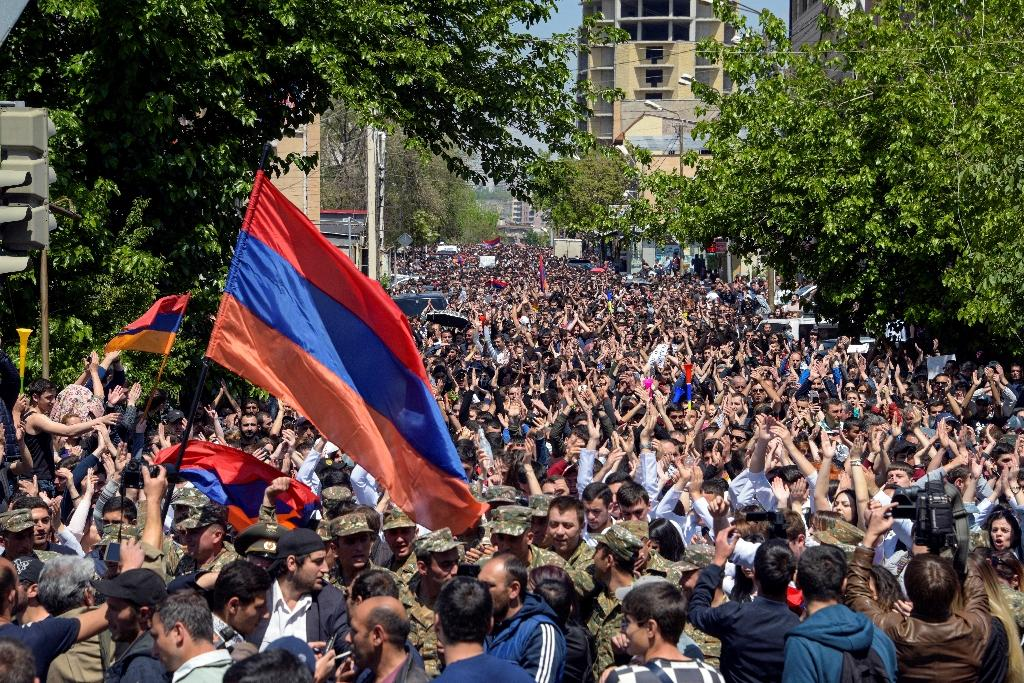 Tens of thousands of anti-government protesters to the streets of Yerevan and other cities (AFP Photo/KAREN MINASYAN)