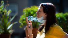 Fumar en la calle, por qué prohibirlo puede evitar la expansión del coronavirus