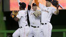 Giancarlo Stanton gets in on homer-robbing craze with incredible catch