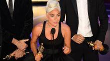 """Lady Gaga se emociona de nuevo tras ganar el Oscar a mejor canción : """"Si tienes un sueño, lucha por él"""""""