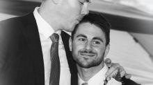 Schwules Paar, das wegen Hass-Borschüren Klage eingereicht hat, veranlasst Vistaprint zu interner Untersuchung