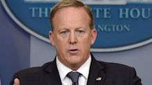 Sean Spicer Is Now A Journalist And Folks On Twitter Are Furious