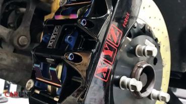 「超大胎」也停得準!VW Amarok專用「XYZ Racing對向六活塞版」前煞車套件