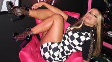 """Anitta relata pé na bunda em ex-namorado machista: """"Atraso de vida"""""""