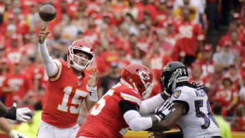 Follow live: Magical Mahomes TD gives Chiefs lead