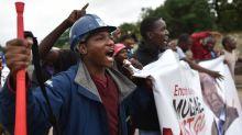 Zimbabweans unite to demand that Mugabe quit