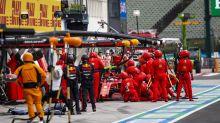 """""""Die sind Mist"""" - wie Ferrari das Rennen seiner Fahrer ruinierte"""