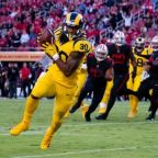 Goff, Gurley shine as Rams hold off 49ers in wild encounter
