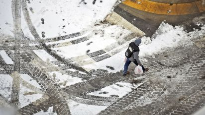 Much of U.S. hit with 'life-and-death' cold