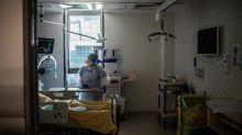 Covid-19: l'APHP envisage l'annulation des congés des soignants, notamment durant la Toussaint