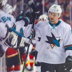 Kevin Labanc scores bizarre goal to send Sharks-Golden Knights to OT