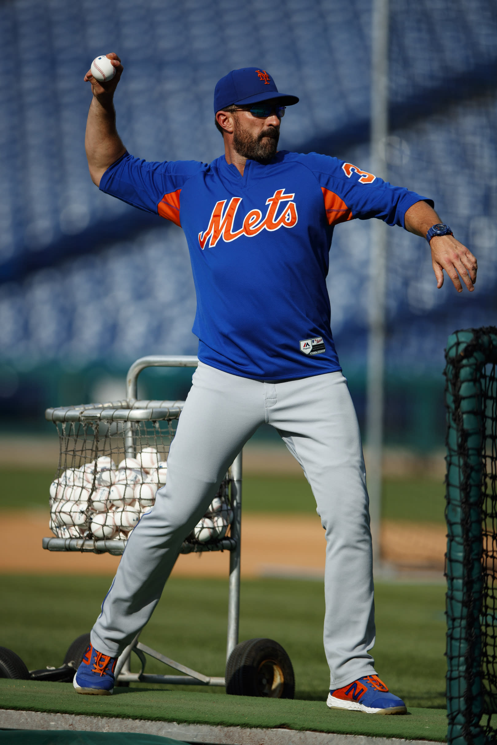 New York Mets manager Mickey Callaway pitcher batting practice before a baseball game against the Philadelphia Phillies, Monday, June 24, 2019, in Philadelphia. (AP Photo/Matt Slocum)