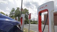 Musk goes cyberpunk, Nissan CEO steps down