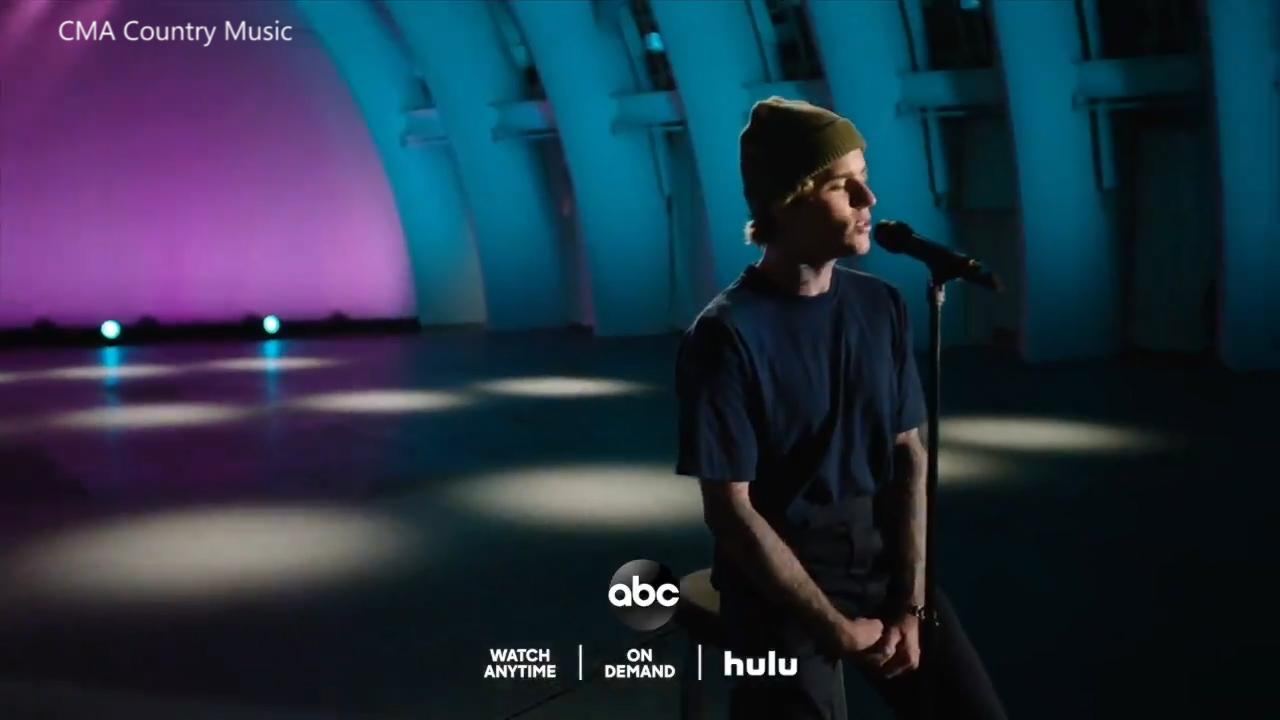 Justin Bieber performs 10,000 Hours at the CMA Awards with Dan + Shay