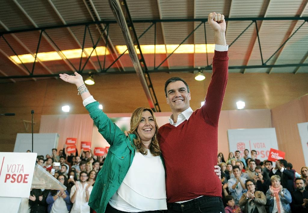 President of the Andalusia Regional Government Susana Diaz with Spanish Socialist Party leader and election candidate Pedro Sanchez in Seville on December 12, 2015 (AFP Photo/Cristina Quicler)