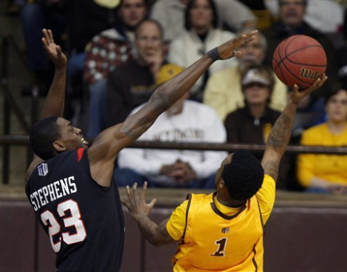 No. 13 San Diego State beats Wyoming 52-42