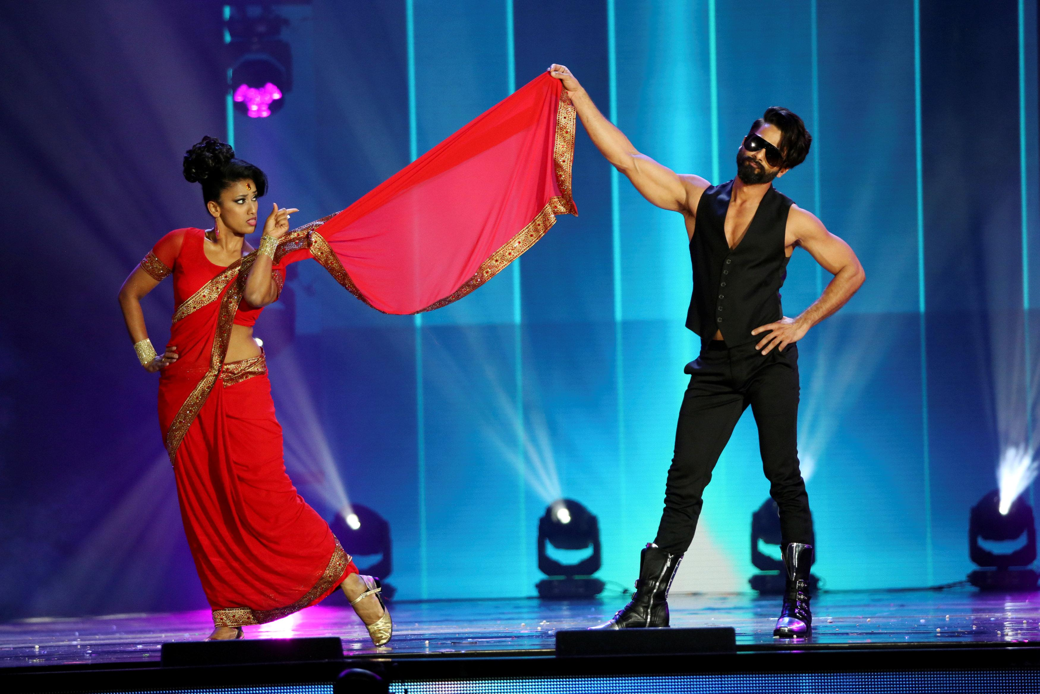 Actor Shahid Kapoor (R) performs at the International Indian Film Academy Awards (IIFA) show at MetLife Stadium in East Rutherford, New Jersey, U.S., July 16, 2017. REUTERS/Joe Penney