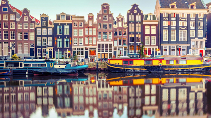 Amsterdam takes on the City in post-Brexit battle