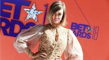 Tyra Banks con un jumpsuit metalizado en los BET Awards