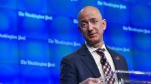 Amazon, la ricchezza del Ceo Jeff Bezos supera i 100 miliardi