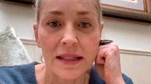 Sharon Stone revela entre lágrimas que su hermana se contagió de covid y lucha por su vida