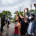 Minneapolis Police Fire Tear Gas, Rubber Bullets at Crowds Protesting George Floyd Killing