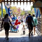 Disneyland and other parks are requiring masks indoors, regardless of vaccination status